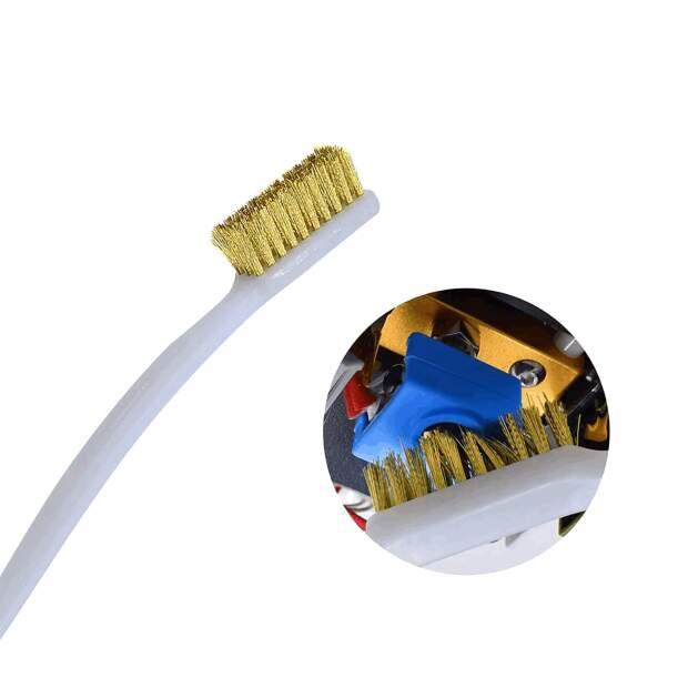 Stabile Reinigungsbürste für 3D Drucker Hotends mit schonenden Messingborsten.